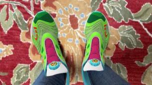 Gucci为Roblox和VRChat中的炒作设计了虚拟运动鞋