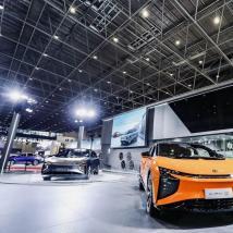 HiPhi X超级SUV在海南新能源车展上让EV爱好者眼花azz乱