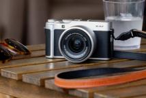 富士胶片宣布推出入门级X-A7无反光镜相机